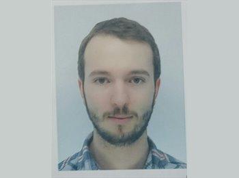 Richard  - 23 - Professional