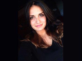 Noella Gilbert - 22 - Professional