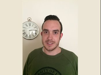 EasyRoommate UK - Matthew Richardson - 25 - London