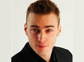 EasyRoommate UK - Akos - 26 - London