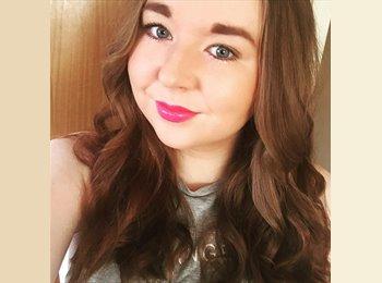 Lily Clapham - 22 - Professional