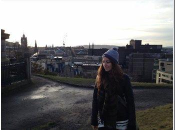 EasyRoommate UK - Rachel - 26 - High Wycombe