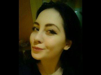 Natalie - 19 - Professional