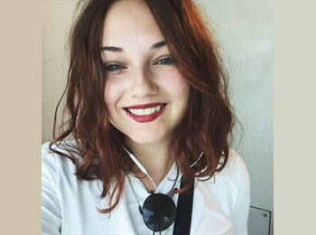Wendy - 18 - Student