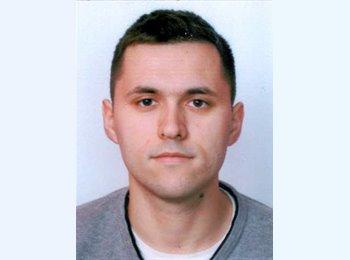 Dusan - 25 - Student