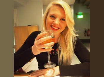 EasyRoommate UK - Harriet  - 23 - Basingstoke and Deane