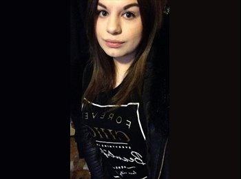 Nicole - 18