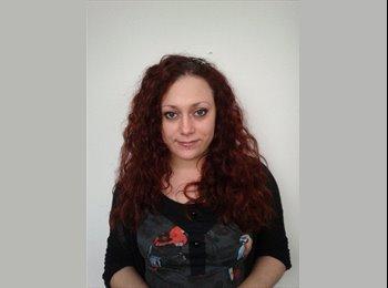 Jenny - 30 - Professional