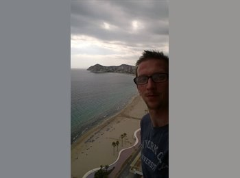 EasyRoommate UK - Richard - 58 - Reading