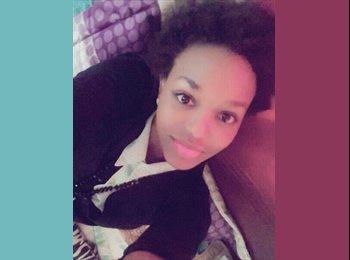 Nina Maryse - 20 - Student