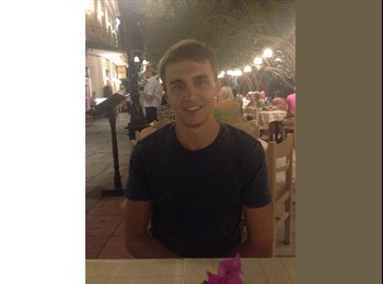 EasyRoommate UK - Anthony - 21 - Bristol
