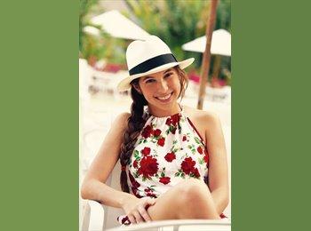 Daniela Vasquez - 28 - Professional