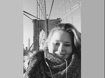 Katharina - 21 - Professional