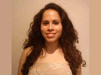 Cristina - 31 - Student