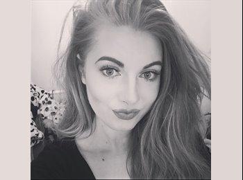 Evie palmer - 22 - Student