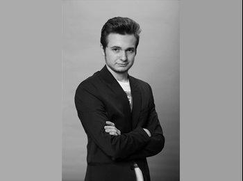 Hristiyan Nikolov - 20 - Student