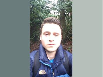 Aaron - 18 - Student