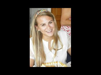 Justine - 24 - Student