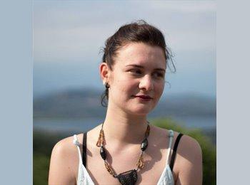 Cristina - 23 - Student