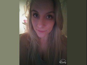 EasyRoommate UK - Laura  - 25 - Hastings