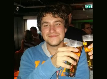 EasyRoommate UK - Nicolas - 23 - Sheffield