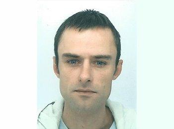 EasyRoommate UK - Adrian Smith - 35 - Bristol