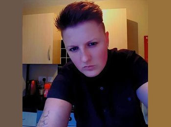 EasyRoommate UK - Nicole - 24 - Stoke-on-Trent