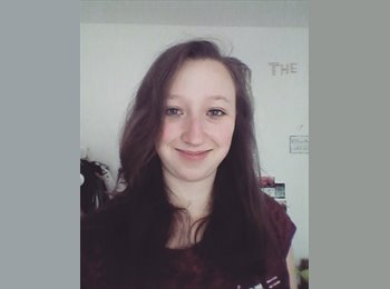 EasyRoommate UK - Annika  - 21 - London