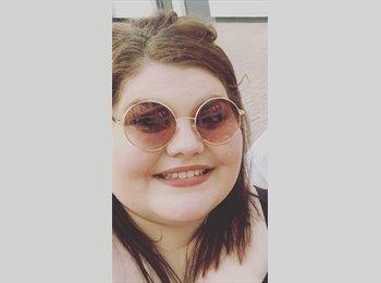 EasyRoommate UK - Emily - 22 - Manchester