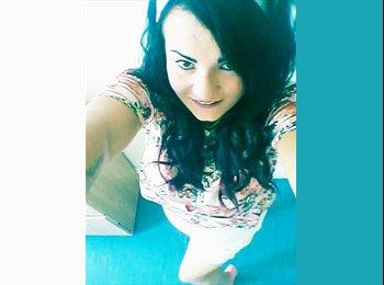 EasyRoommate UK - Samantha  - 23 - Sefton