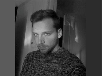 EasyRoommate UK - Adam - 22 - United Kingdom