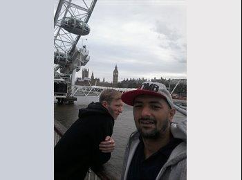 EasyRoommate UK - Andrei - 33 - London