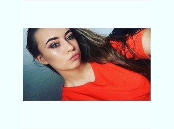 EasyRoommate UK - Abby Rogers  - 19 - Blackburn