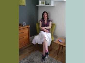 EasyRoommate UK - Joanne - 30 - Brighton and Hove