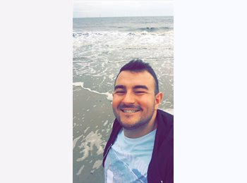 EasyRoommate UK - Robbie  - 26 - United Kingdom