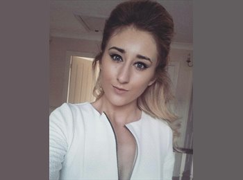 EasyRoommate UK - Annabelle - 21 - Chesterfield