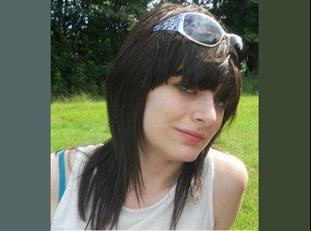 EasyRoommate UK - Sasha Hughes - 25 - Wakefield