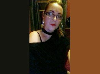 Sarah - 33 - Professional