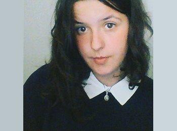 Jelena  - 20 - Student