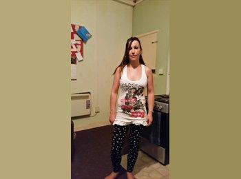 EasyRoommate UK - Rebecca Brain - 42 - Bristol