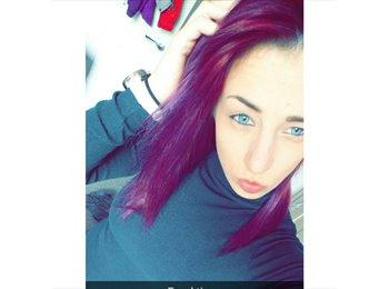 EasyRoommate UK - Rebecca  - 22 - Southport