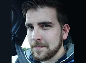 EasyRoommate UK - Kevin - 28 - Thornhill