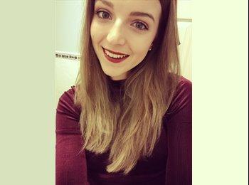 EasyRoommate UK - Amy - 21 - York
