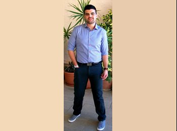 Yiannis - 24 - Student