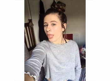 EasyRoommate UK - Ruby - 19 - Leeds