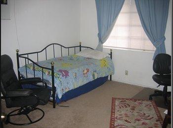 I have a room Available/Se renta cuarto