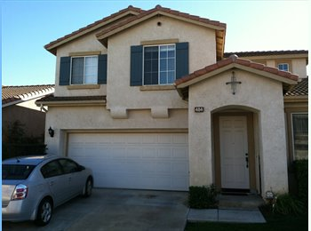 EasyRoommate US - Master Bedroom With Private Bath in Gated Communit - Camarillo, Ventura - Santa Barbara - $800 pcm
