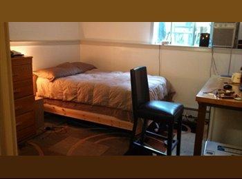 Riverside/Cambridgeport room in modern townhouse