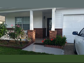 EasyRoommate US - Cozy Home great to commute Houston-Galveston - Brookside / Pearland, Houston - $600 /mo