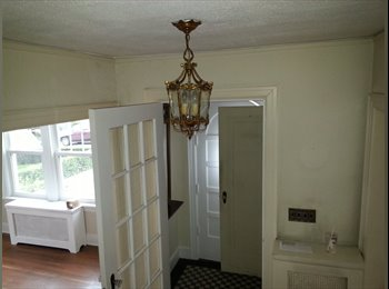 2 bedroom to share in a lovely brick house